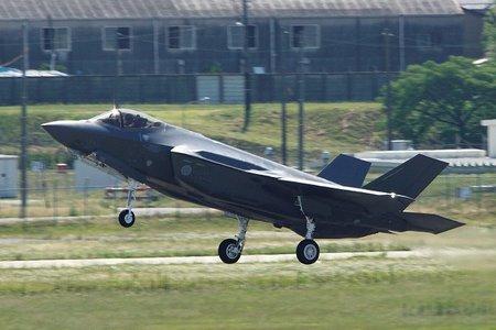 F35ax_2
